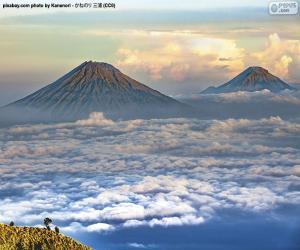 Puzzle de Montes Sindoro y Sumbing, Indonesia