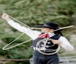 Puzzle de Mujer cowboy manejando el lazo
