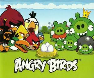 Puzzle de Pájaros, huevos y cerdos verdes en Angry Birds