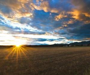 Puzzle de paisaje del campo em un dia de otoño