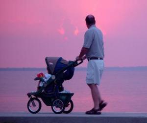 Puzzle de Papá paseando con su hijo junto al mar