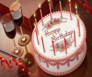 Puzzle de Pastel de cumpleaños con velas encendidas