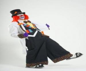 Puzzle de Payaso o clown con el traje completo, sombrero, peluca, guantes, lazo, grandes pantalones y grandes zapatos