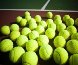 Puzzle de Pelotas de tenis sobre la pista
