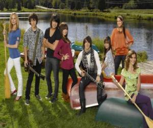 Puzzle de Personajes de Camp Rock Tess, Nate, Shane, Mitchie, Jason, Ella, Peggy y Caitlyn