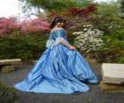 Princesa dando un paseo por el jardín de palacio