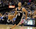 Tony Parker jugando un partido de baloncesto