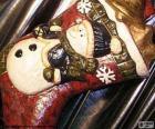 Bota navideña llena de regalos y adornos