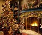 Hogar en Navidad con los adornos navideños