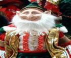 Elfo navideño con las orejas puntiagudas y el sombrero puntiagudo