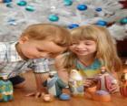Niños jugando con el pesebre
