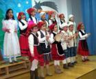Niños cantando villancicos