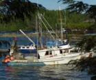 Pequeño barco de pescadores