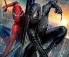 Spiderman con el traje negro una combinación de él mismo (y su traje) junto con el simbionte negro venido del espacio