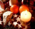 Vela de Navidad encendida