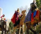 Los tres Reyes Magos a lomos de los camellos