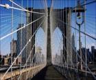 Puente colgante sobre el río, Nueva York
