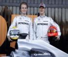 Michael Schumacher y Nico Rosberg, pilotos de la escuderia Mercedes GP