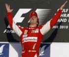 Fernando Alonso celebra su victoria en el Gran Premio de Bahrain (2010)
