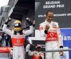 Lewis Hamilton celebra su victoria en Spa-Francorchamps, Gran premio de Bélgica 2010