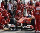 Fernando Alonso en boxes - Ferrari - Monza 2010