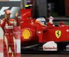 Fernando Alonso celebra su victoria en el Gran Premio de Singapur (2010)