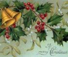 Campanas navideñas decoradas con hojas de acebo