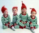 Niños disfrazados por Navidad