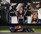 Sebastian Vettel celebra su victoria en el Gran Premio de Abu Dhabi (2010)