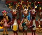 Grupo de renos navideños celebrando la navidad