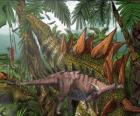 Dacentrurus, medía aproximadamente 10 metros de longitud y casi 3,5 de altura.