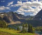 Precioso paisaje de alta montaña