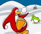 Pingüinos haciendo una guerra de nieve en el Club Penguin