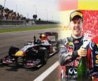 Sebastian Vettel celebra su victoria en el Gran Premio de Turquia (2011)