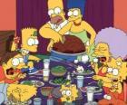 La familia Simpson en el día de Acción de Gracias donde la famili se reúne para comer