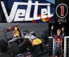 Sebastian Vettel, campeón mundial de F1 2011 con Red Bull Racing, es el bicampeón mundial más joven