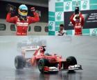 Fernando Alonso celebra su victoria en el Gran Premio de Malasia (2012)