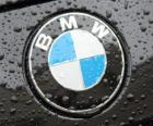 Logo de BMW, marca alemana de automóviles