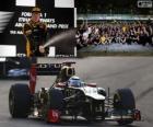 Kimi Raikkonen celebra su victoria en el Gran Premio de Abu Dabi 2012