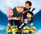 Los protagonistas de la película Gru, Mi villano favorito. El supervillano Gru  y los Minions; y Margo, Edith y Agnes, tres niñas huérfanas