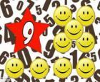 Número 9 dentro de una estrella con nueve smiles o sonrisas