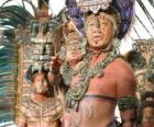 Sacerdote azteca realizando una ofrenda a los dioses