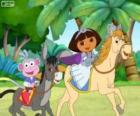 Dora y su mono Botas montando a caballo