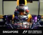 Sebastian Vettel celebra su victoria en el Gran Premio de Singapur 2013