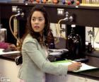 Gabriella Montez en el laboratorio