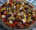 Pizza con aceitunas y pimiento