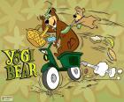 El oso Yogi y Bu-Bu en moto