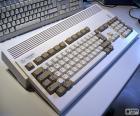 Entre 1985 y 1994 Commodore comercializó la serie de ordenadores Amiga como sucesora del C64. Aqui vemos el Commodore Amiga 1200 (1992-1994)