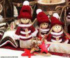 Tres muñecos navideños