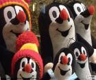 Varios muñecos de peluche de Krtek el pequeño topo